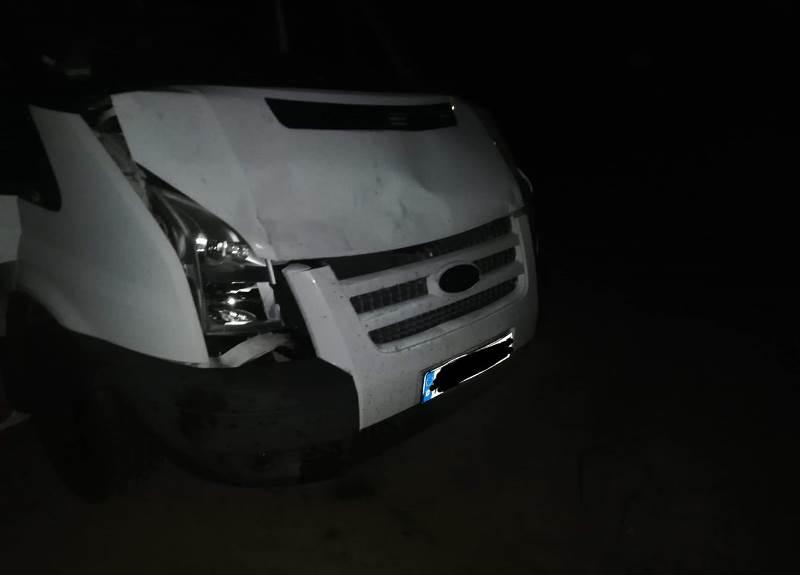 Kolizja samochodu dostawczego na trasie Czarna Dąbrówka - Rokity