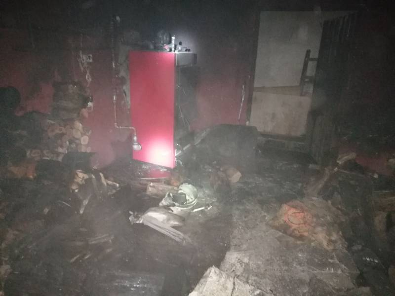 Pożar piwnicy budynku jednorodzinnego w Czarnej Dąbrówce