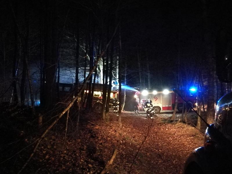 Podwójny pożar lasu na trasie Sieromino - Jasień
